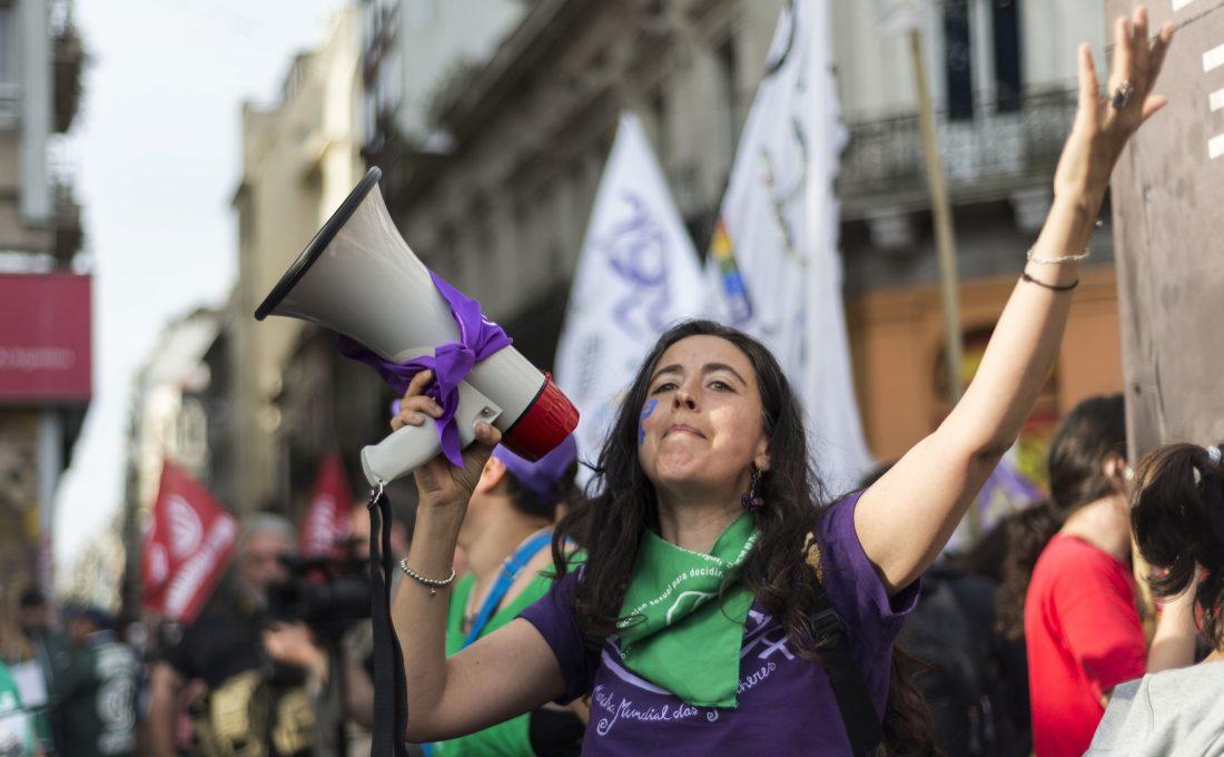 Feminismus Demonstration gegen Gewalt und für Menschenrechte für Frauen in Buenos Aires