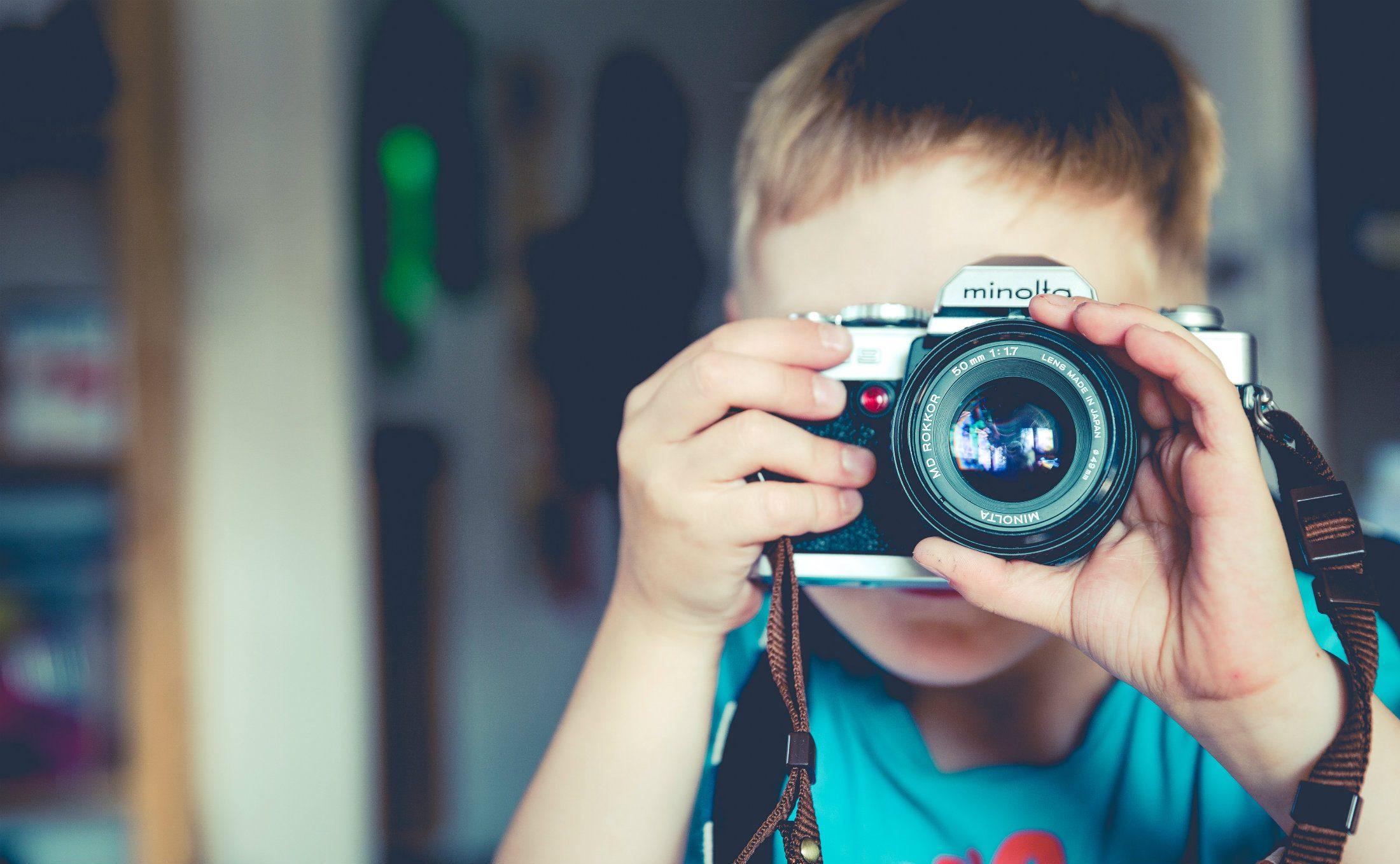 junger fotograf